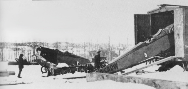Fuselage of G-CADW coming off railway box car at Sioux Lookout, February 1926. (Photo: D. F. Parrott)