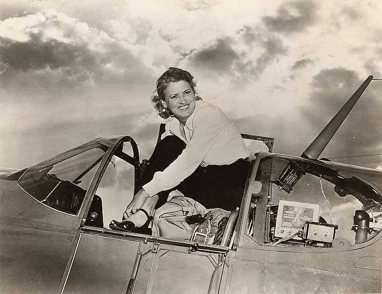 Jackie Cochran – First Woman to Fly a Bomber to Britain